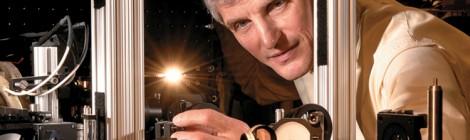 Il Nobel Ketterle dà il via all'Anno della Luce a Torino