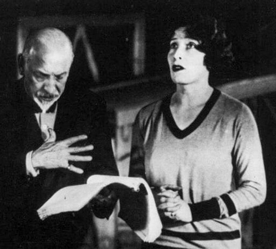 """Pirandello dirige Marta Abba ne """"La nuova colonia"""", 1928"""